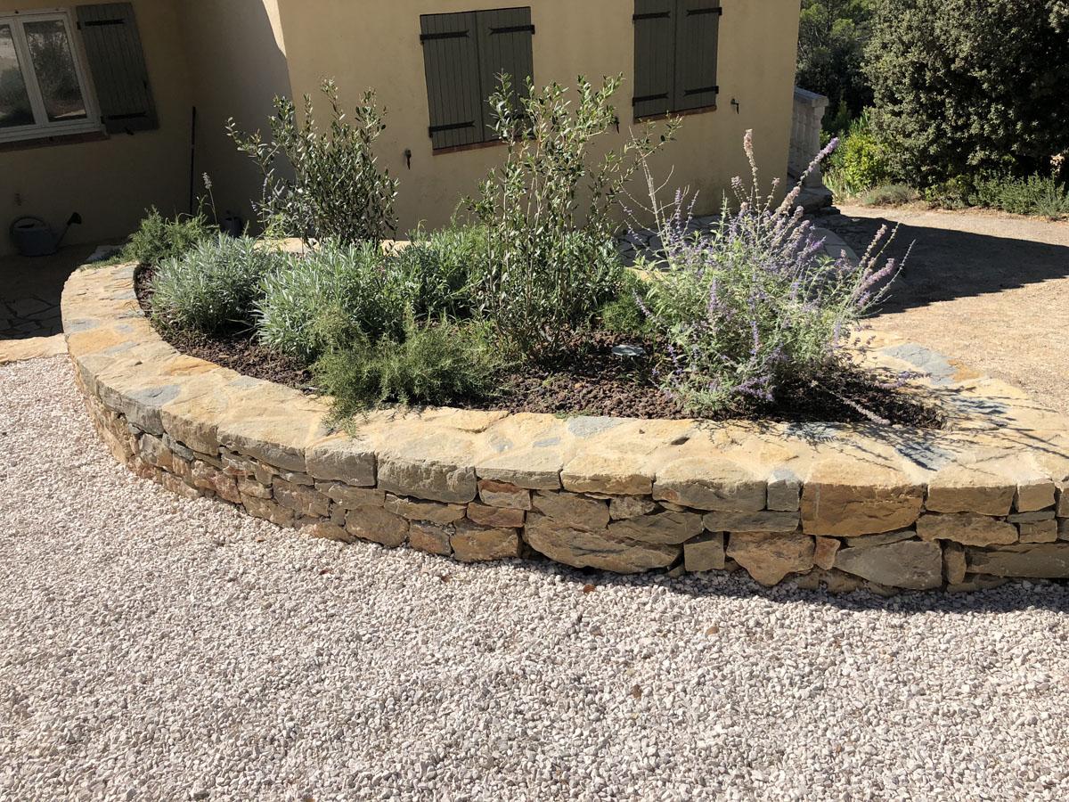 Entretien de jardin privé par des jardiniers et paysagistes.